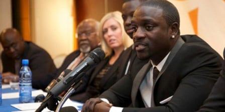Akon-disctinction2