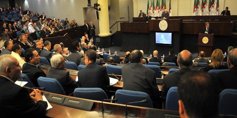 algerie--une-loi-contre-la-violence-faite-aux-femmes-enerve-les-conservateurs