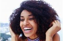 Femme-noire-sourire
