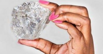 l-un-des-plus-gros-diamants-du-monde_72165_w460