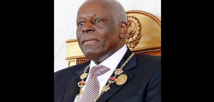 O Presidente da República de Angola, José Eduardo dos Santos, durante a cerimónia realizada ontem de tomada de posse como Presidente da República, eleito no passado dia 31 de agosto, em Luanda, Angola, 27 de setembro de 2012. José Eduardo dos Santos torna-se Presidente da República por ter encabeçado a lista vencedora das eleições gerais, em que o MPLA, partido que lidera, obteve 71,84 por cento dos votos, seguindo-se a UNITA (18,66%) e a CASA-CE (6,00%). PEDRO PARENTE / ANGOP / LUSA