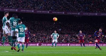 BARCELONA, SPAIN - DECEMBER 30:  Lionel Messi of FC Barcelona takes a free kick during the La Liga match between FC Barcelona and Real Betis Balompie at Camp Nou on December 30, 2015 in Barcelona, Spain.  (Photo by David Ramos/Getty Images)