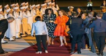 4959405_7_d2fd_la-premiere-dame-michelle-obama-accueillie-a_bb056217c5882194b8aa443eba18a8b4