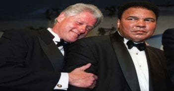 882180-bill-clinton-et-mohamed-ali-le-28-octobre-2000-a-washington