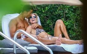 Cristiano: heureux dans les bras d'une star du fitness à Miami