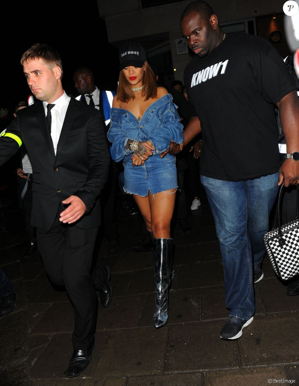2569599-rihanna-au-tape-nightclub-a-londres-le-2-950x0-2