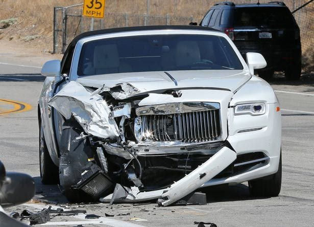 Scene-from-Kris-Jenners-car-crash-in-Calabasas