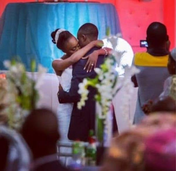 Il a 28 ans, elle 24, et ils se sont mariés tous deux vierges... Découvrez leur histoire!