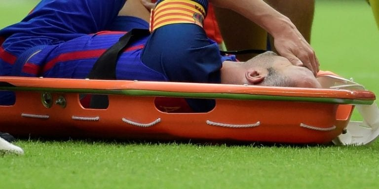 FC Barcelone : le verdict est enfin tombé concernant la grave blessure d'Andres Iniesta...Vidéo
