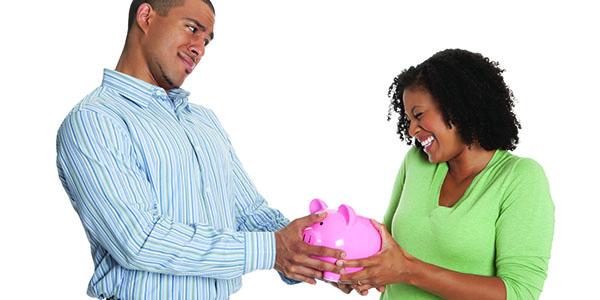 Messieurs, voilà 6 signes qui prouvent qu'une femme n'est pas intéressée par votre argent