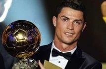 cristiano-ronaldo-pose-avec-le-fifa-ballon-d-or-en-2014_186817