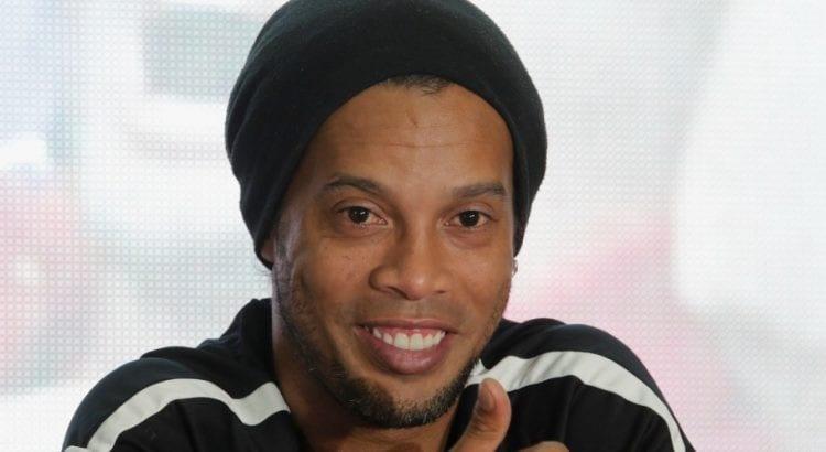 Photos: Pour Ronaldinho, le futur meilleur joueur de la planète se trouve à Manchester City. Découvrez le !