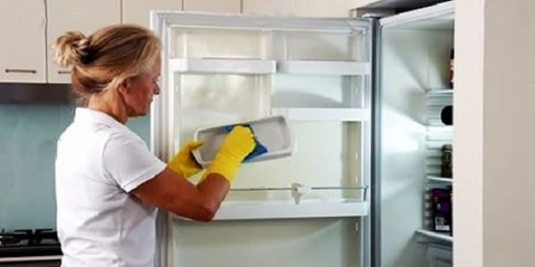 nettoyage-dun-refrigerateur