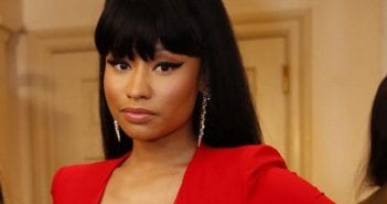 nicki-minaj-robe-rouge-decollete-au-mariage-de-son-frere_171680_wide