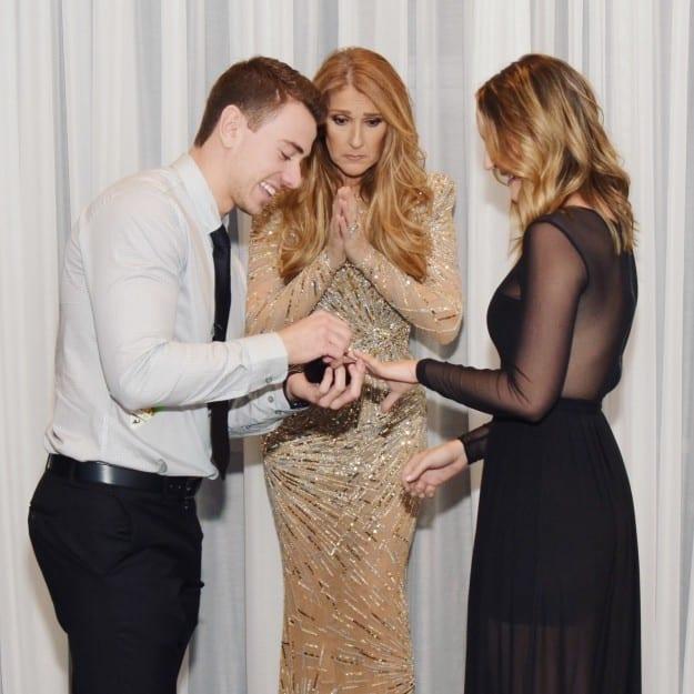 Il surprend sa petite amie en lui faisant sa demande en mariage devant Céline Dion...Photos