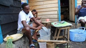 """RDC: Lassés du chômage, des jeunes créent un """"restaurant mobile"""""""