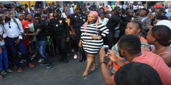 Côte d'Ivoire: Eudoxie Yao crée l'émeute au Femua. Vidéo