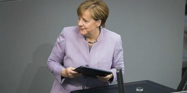 Allemagne: le port du voile intégral interdit dans la fonction publique