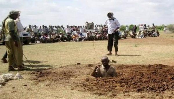 Mali : un homme et une femme lapidés pour concubinage