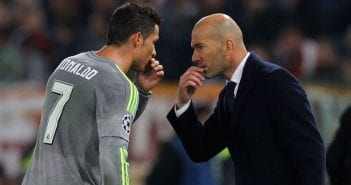 ROME, ITALY - FEBRUARY 17:  Cristiano Ronaldo of Real Madrid CF speaks with his head coach Zinedine Zidane during the UEFA Champions League round of 16 first leg match between AS Roma and Real Madrid CF at Stadio Olimpico on February 17, 2016 in Rome, Italy.  (Photo by Paolo Bruno/Getty Images)