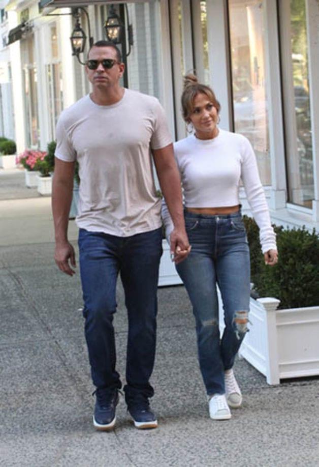 Jennifer Lopez et Alex Rodriguez s'offrent un moment de ...