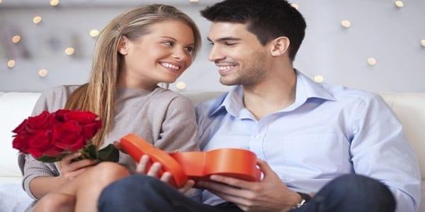 Couple: 9 messages remplis de tendresse pour accompagner le cadeau de votre partenaire
