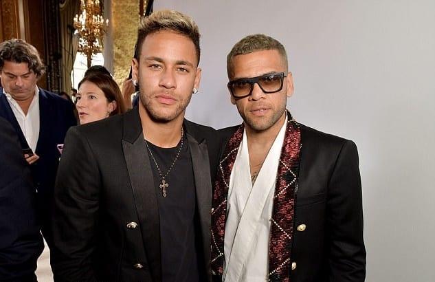 Neymar et Dani Alves à la fashion Week Parisienne...photos
