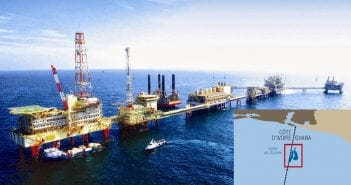 station-petroliere-offshore-68996116