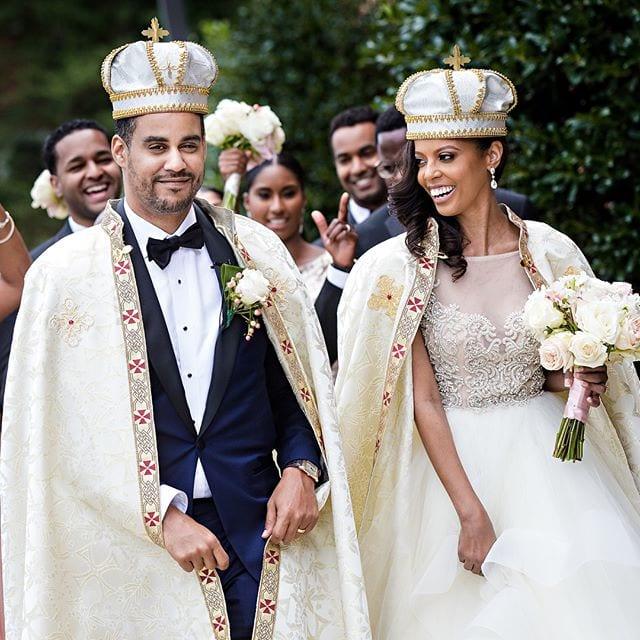 Une Afro-américaine épouse un prince rencontré dans une discothèque