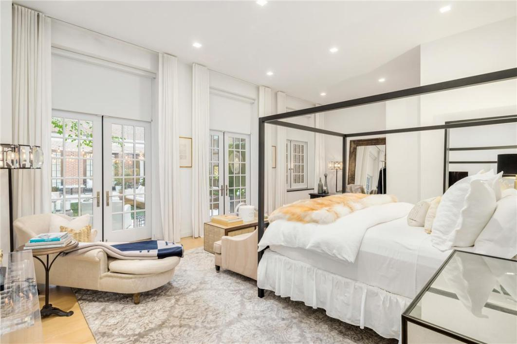 Photos: Jennifer Lopez is selling her New York property