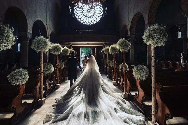 A La Découverte De La Plus Belle Robe De Mariée Au Monde