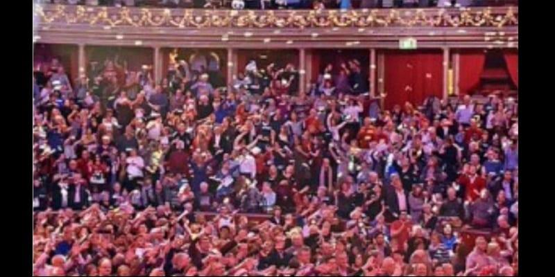 Showbiz: Wizkid devient le premier artiste africain à tenir un concert à guichet fermé à Londres (vidéo)