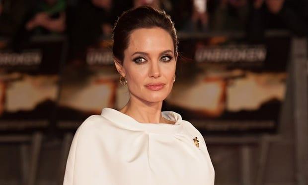 Angelina-Jolie-010