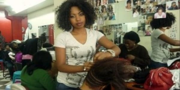 Incroyables les femmes africaines d pensent environ 7 for Achat salon coiffure