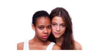 une noire et une blanche