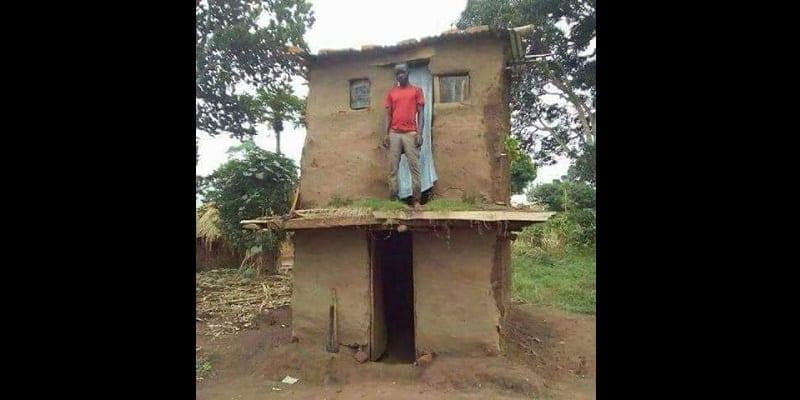 un jeune homme tr s heureux de vivre dans une maison en tage afrikmag. Black Bedroom Furniture Sets. Home Design Ideas