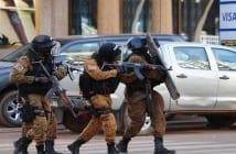 7781405907_des-forces-de-l-ordre-lors-de-l-assaut-a-ouagadougou-au-burkina-faso-le-16-janvier-2016