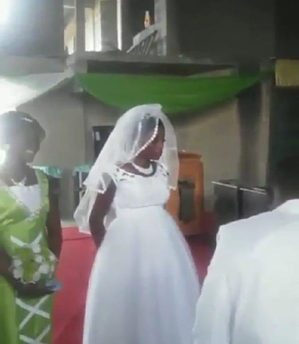 Ghana: Une mariée en colère refuse d'embrasser son mari (PHOTOS)