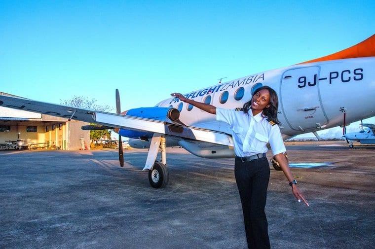 Inspiration: à 19 ans, elle devient la plus jeune pilote d'avion de Zambie (photos)