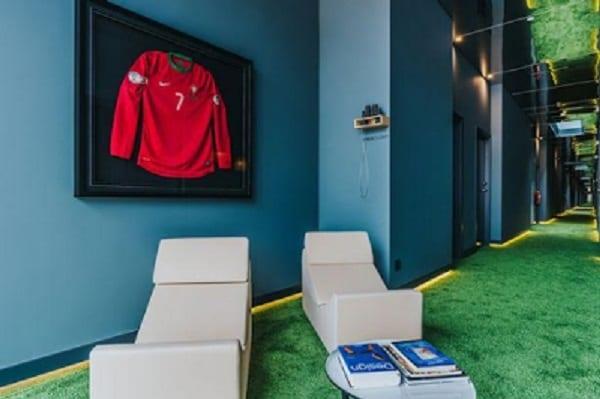 Cristiano Ronaldo: Découvrez l'intérieur de son hôtel 5 étoiles de plusieurs millions (PHOTOS)