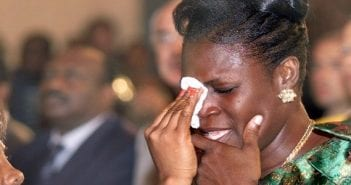 Simone-Gbagbo-ancienne-premiere-dame-femme-cote-ivoire-pleure