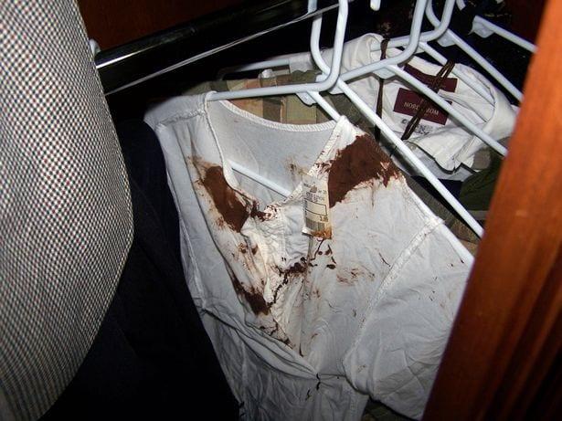 Michael Jackson: A l'intérieur de sa chambre de mort, de la drogue, une chemise ensanglantée retrouvées