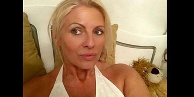 juney smith la cougar de 52 ans qui dit tre sortie avec 250 jeune hommes photos afrikmag. Black Bedroom Furniture Sets. Home Design Ideas