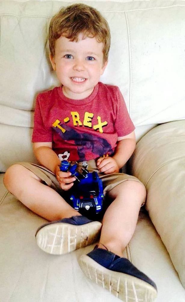 """Un garçon de 3 ans, meurt subitement après avoir dit """"bonne nuit, je t'aime"""" à sa maman...Photos"""