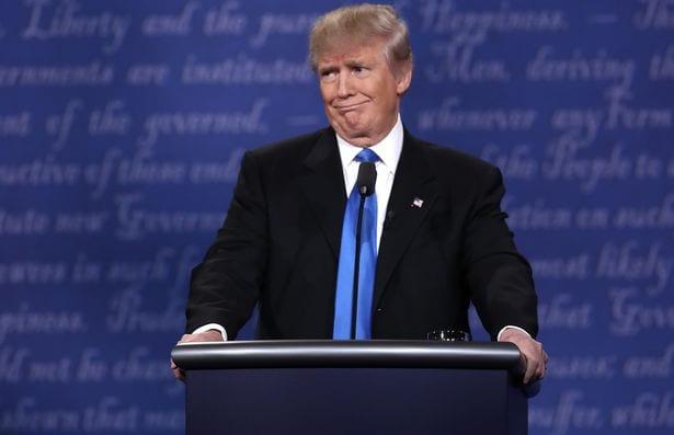 Débat présidentiel américain: Hillary Clinton accusée de tricherie (PHOTO)
