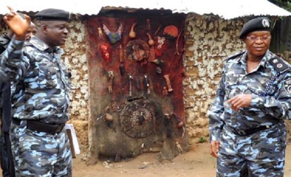 Un pasteur emprisonné dans un sanctuaire en essayant de détruire des idoles: PHOTOS