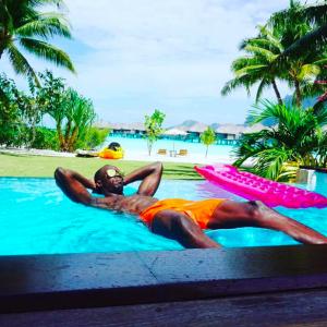 Découvrez les plus beaux clichés des vacances d'Usain Bolt et sa petite amie Kasi Benett