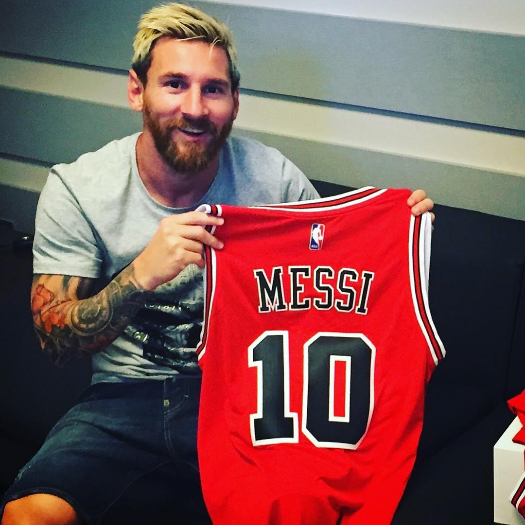 Découvrez le beau cadeau des Chicago Bulls à Lionel Messi