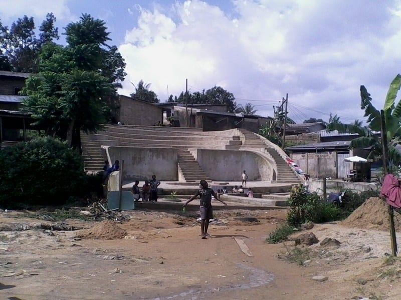 Cameroun: Il attrape un homme sur sa femme... découvrez son horrible réaction