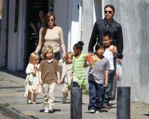 Angelina Jolie refuse de rendre la bague de fiançailles à 150 millions de F CFA
